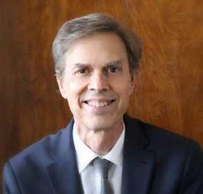 Lawrence J Hakim